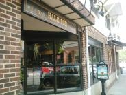 Halo Pub, famous place to get ice cream on Hulfish